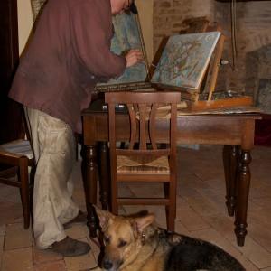 Bernhard Gillessen con cane